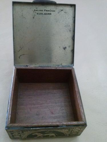 caja de anilinas indias,de bronce.
