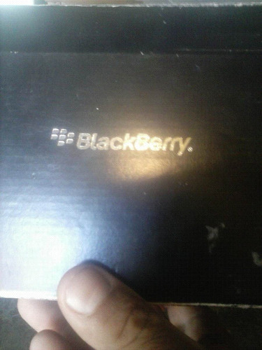 caja de blackberry curve 9360 colores blanco y negro
