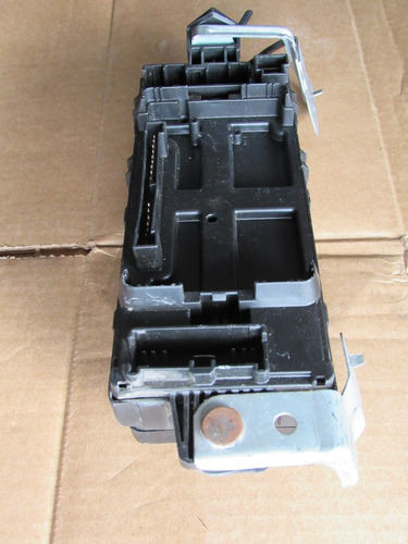 caja de fusibles interior mitsubishi eclipse 97-99 2.0 turbo