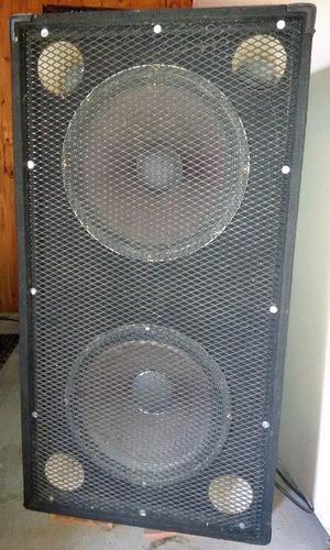 caja de graves réplica jbl. qualler 2 x15   400 watts