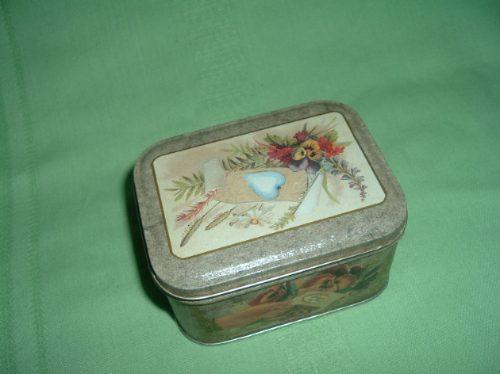 caja de lata estilo victoriana