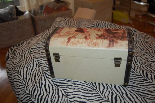 caja de madera decorada interior forrado