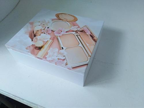 caja de maquillajes grande con espejo.