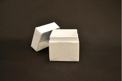 caja de regalo o estuche para joyeria carton blanco