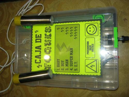 caja de toques ya armada y con pilas(incluidas)