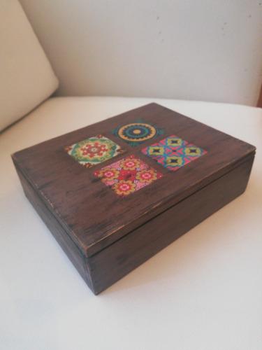 caja decorada para té