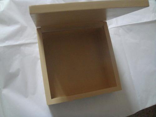 caja decorada puntillismo