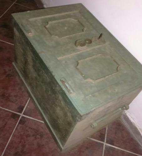 caja fuerte, antiguedad. con base