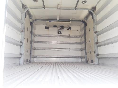 caja insulada con thermo de 4.40 mts de largo