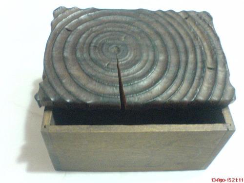 caja madera tallada   años 70   vintage  madera oscura