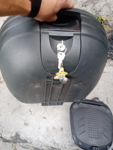 caja multiusos con dos llaves italika