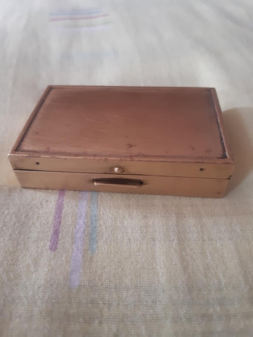 caja musical de bronce polvera