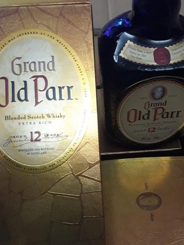 caja o botella de whisky old parr