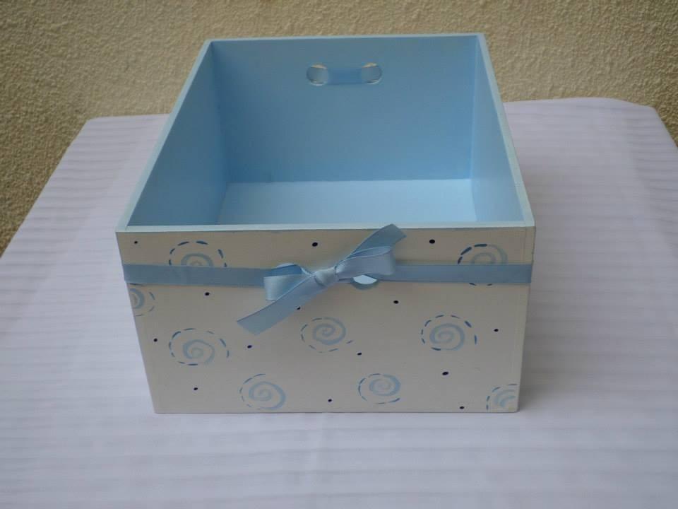 caja multiuso para beb madera pintada a mano