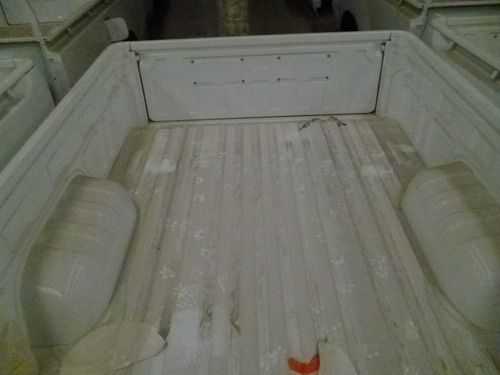 caja original toyota hilux blanca nueva completa sin luz izq