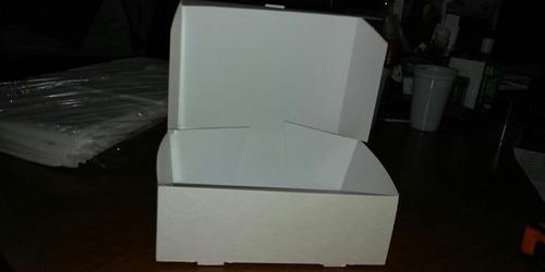 caja para comida .creps macitas  en cartón blanco