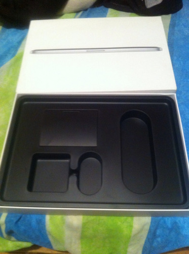 caja para macbook pro  seminueva