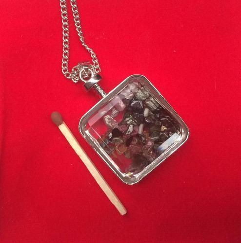 caja pequena de cristal con piedras naturales energeticas!!!