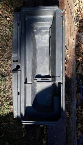 caja plástica interior baúl mitsubishi space wagon