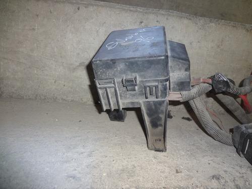 caja porta fusibles suburban 96