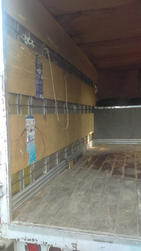 caja seca con copete