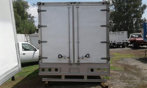 caja termica de 4.30 meros de largo para 6 tarminas