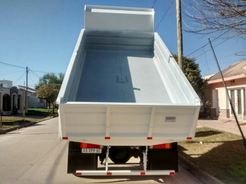 caja volcadora de 7 m3 barandas fijas