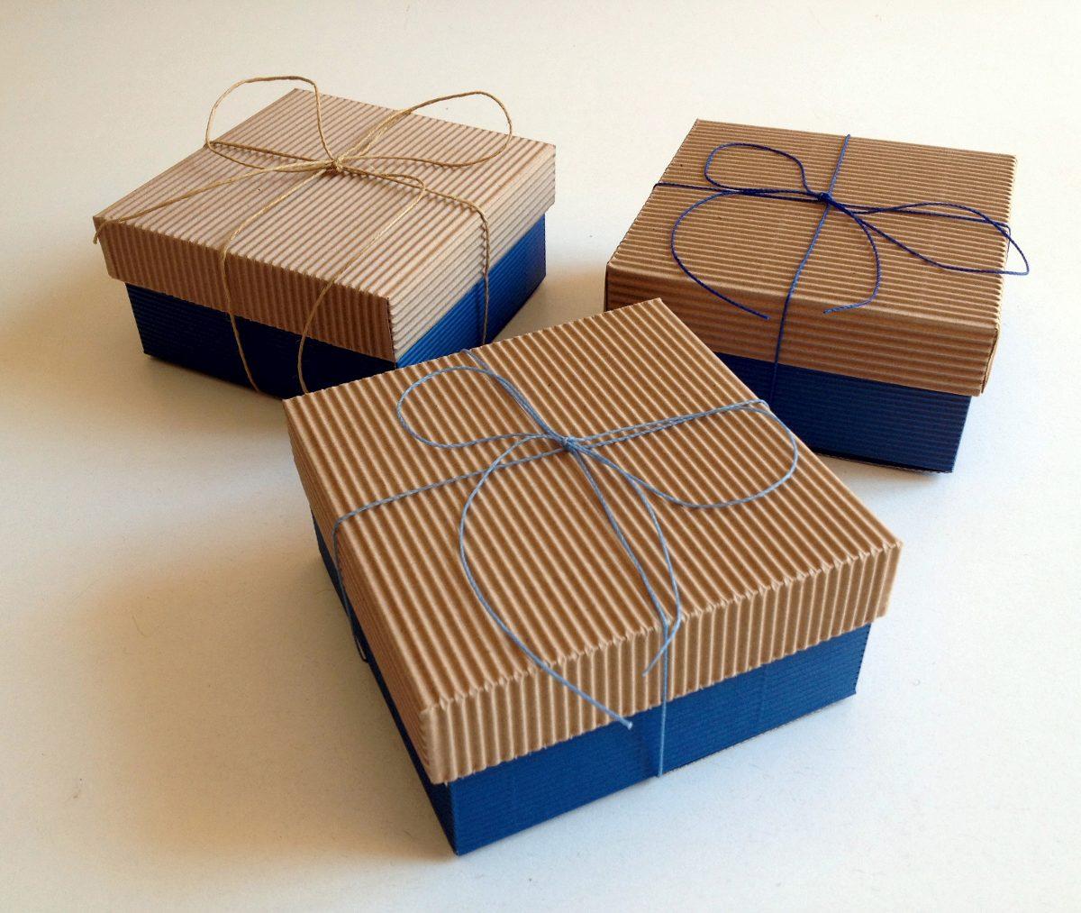 Cajas de cart n para souvenirs regalos golosinas y for Cajas de regalo de carton