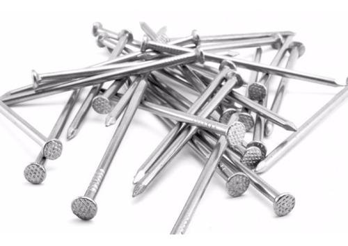 cajas de clavo de acero y madera para construccion