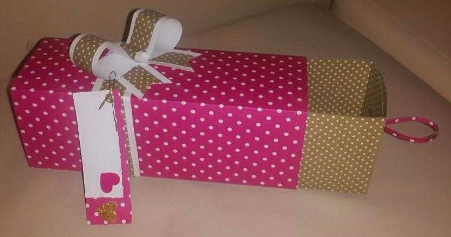Cajas decoradas para regalos cupcakes y tortas bs for Cajas de carton pequenas decoradas