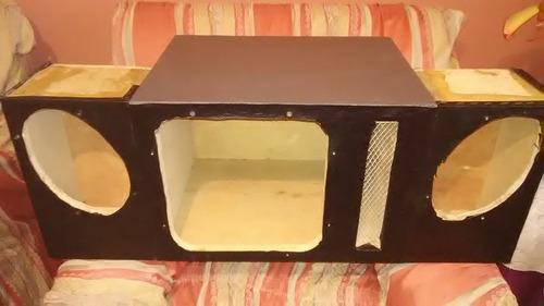 cajón de madera forrado para sonido de carro
