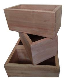 contenedor de madera con un cajón Rallador