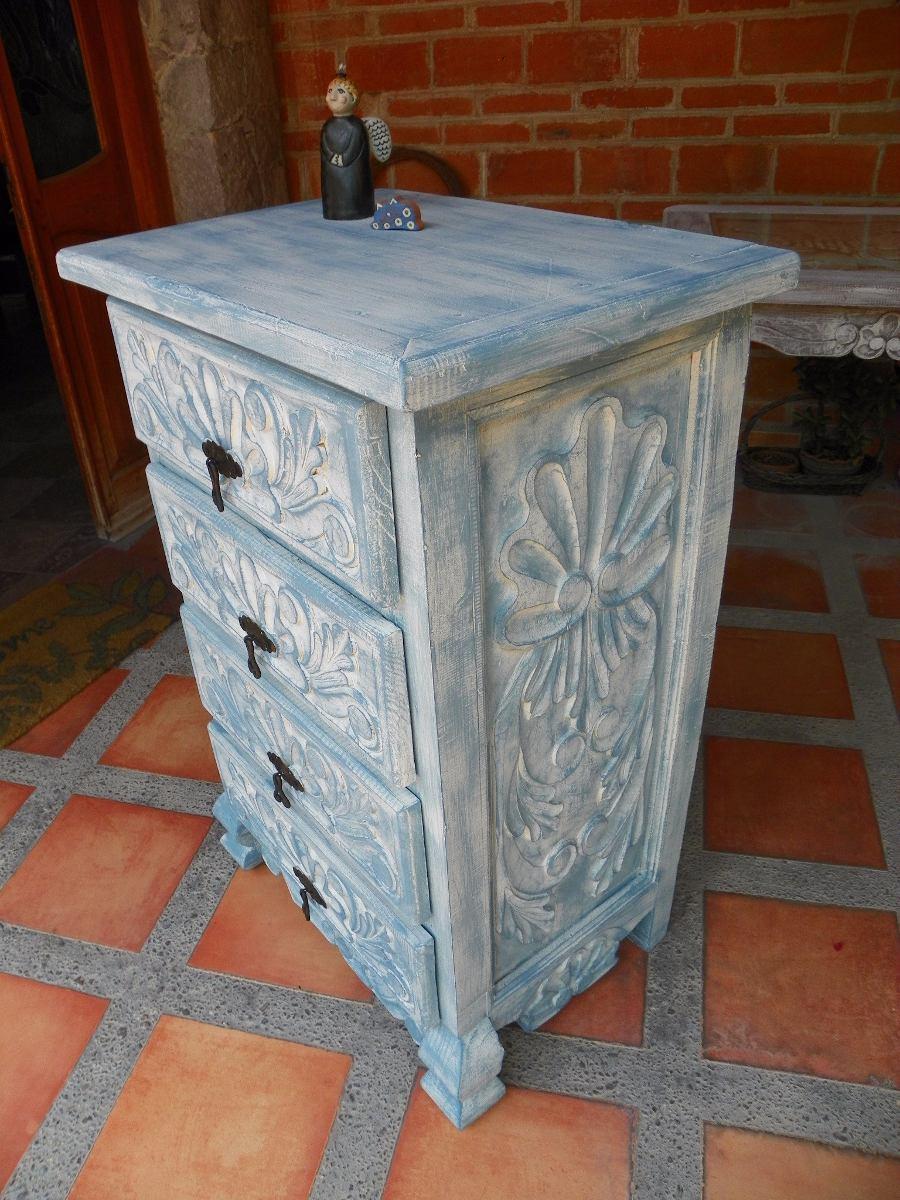 Cajonera vintage tallada en madera y con decapado antiguo - Cajones de madera antiguos ...