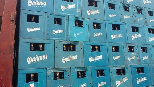 cajones de cervezas con envases de litro