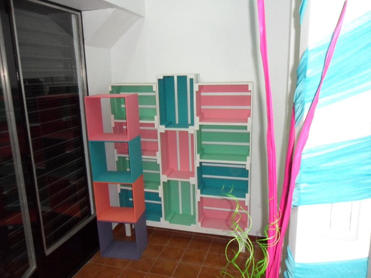 Muebles con cajones de frutas good cajones tipo verdulero for Diseno de muebles con cajones de verduras