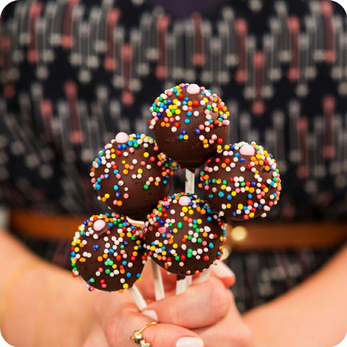 Cake pop bolo no palito r 2 00 em mercado livre for Cobertura para cake pops