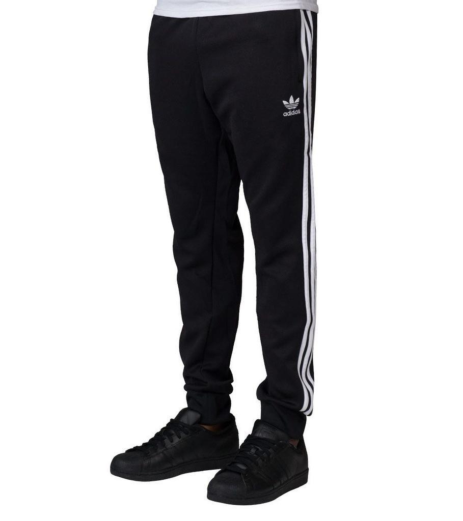 2fe1ce2e1 Calça adidas Originals Sst Cuffed Tp - Preto - R$ 195,90 em Mercado ...