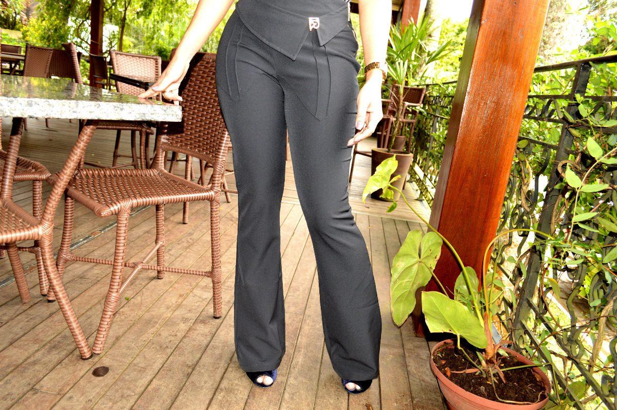 38eb77a2f calça alfaiataria feminina flare preta com fivela dourada. Carregando zoom.