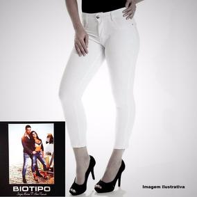 9075c92de Calça Branca Feminina Corpete Capri Biotipo Com Elastano.