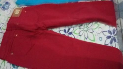 calça da collci  vermelha