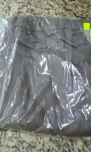 calça de brim pesado com faixa refletiva, botão e ziper