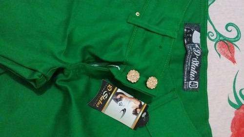 calça de brim verde