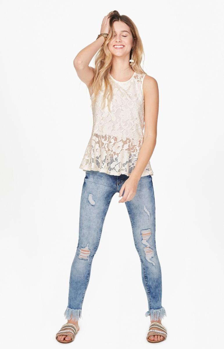 147c2ed1e8 Calça Enfim Feminina Em Jeans Skinny Com Barra Desfiada E Pu - R ...