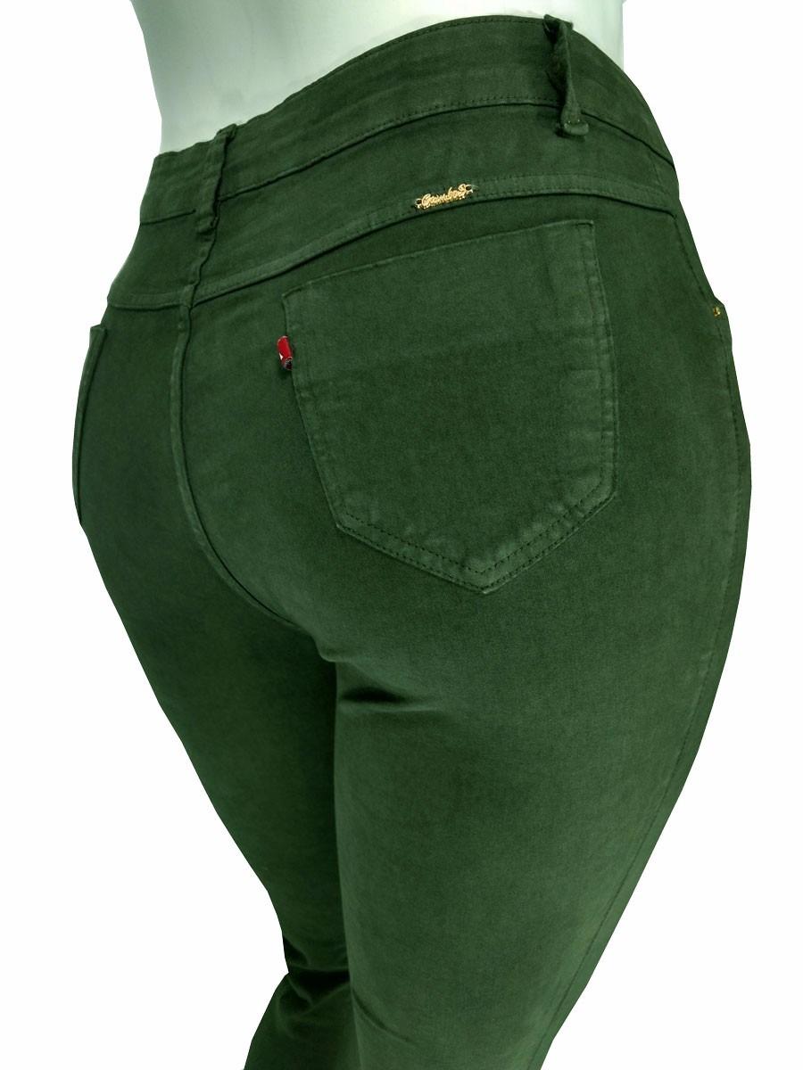 bfaa03c17 calça feminina em sarja com lycra plus size colorida cambos. Carregando zoom .