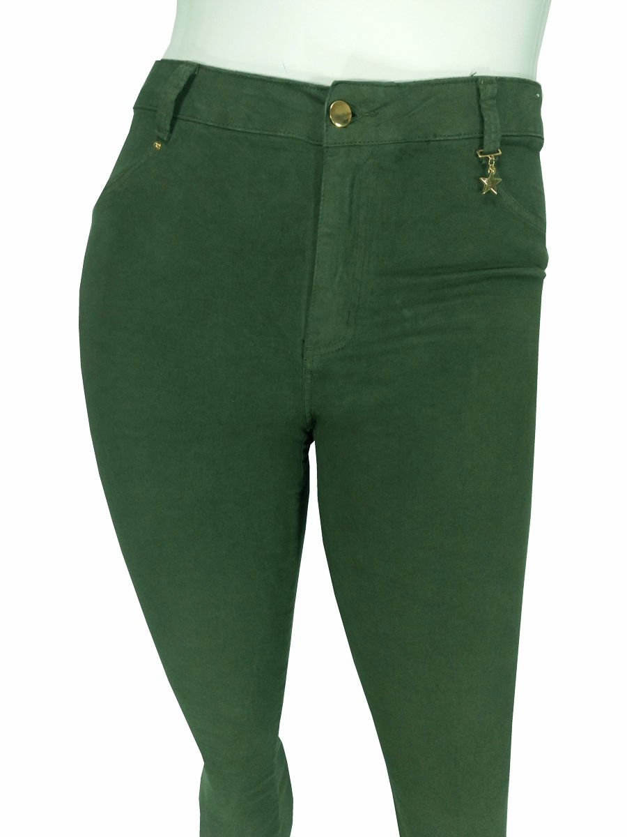 ec8ccff95 calça feminina plus size colorida cambos em sarja com lycra. Carregando zoom .