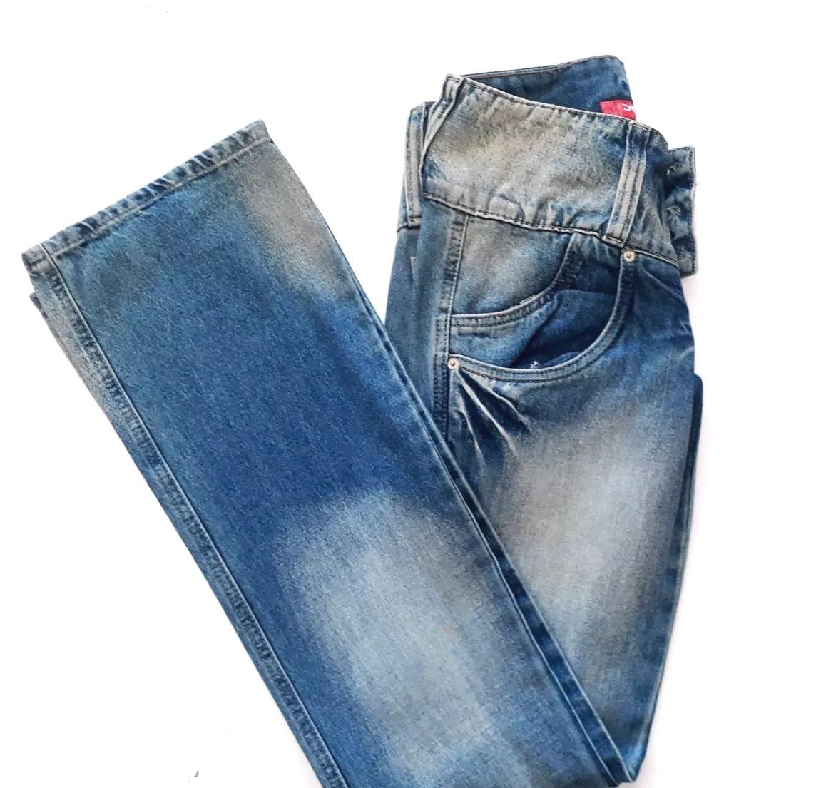 a5e67eaba Calça Jeans Azul Desbotado Feminina Denuncia - R$ 94,99 em Mercado Livre