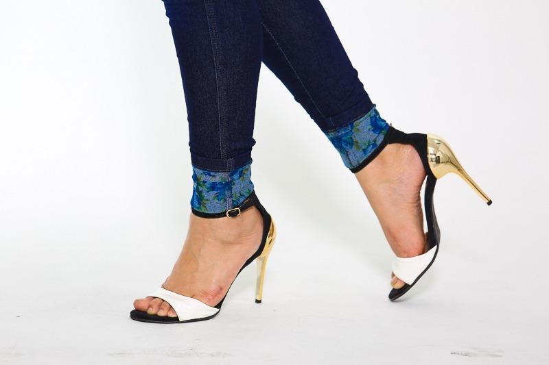 26c761785 Calça Jeans Barra Dobrada Floral - R$ 84,50 em Mercado Livre