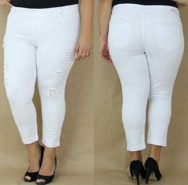 b2a92a53e Calça Jeans Branca Plus Size Rasgada Croopds Destroyed - R  185