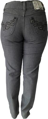 calça jeans c/ detalhe em bordado - 38 ao 60 ( cintura alta)