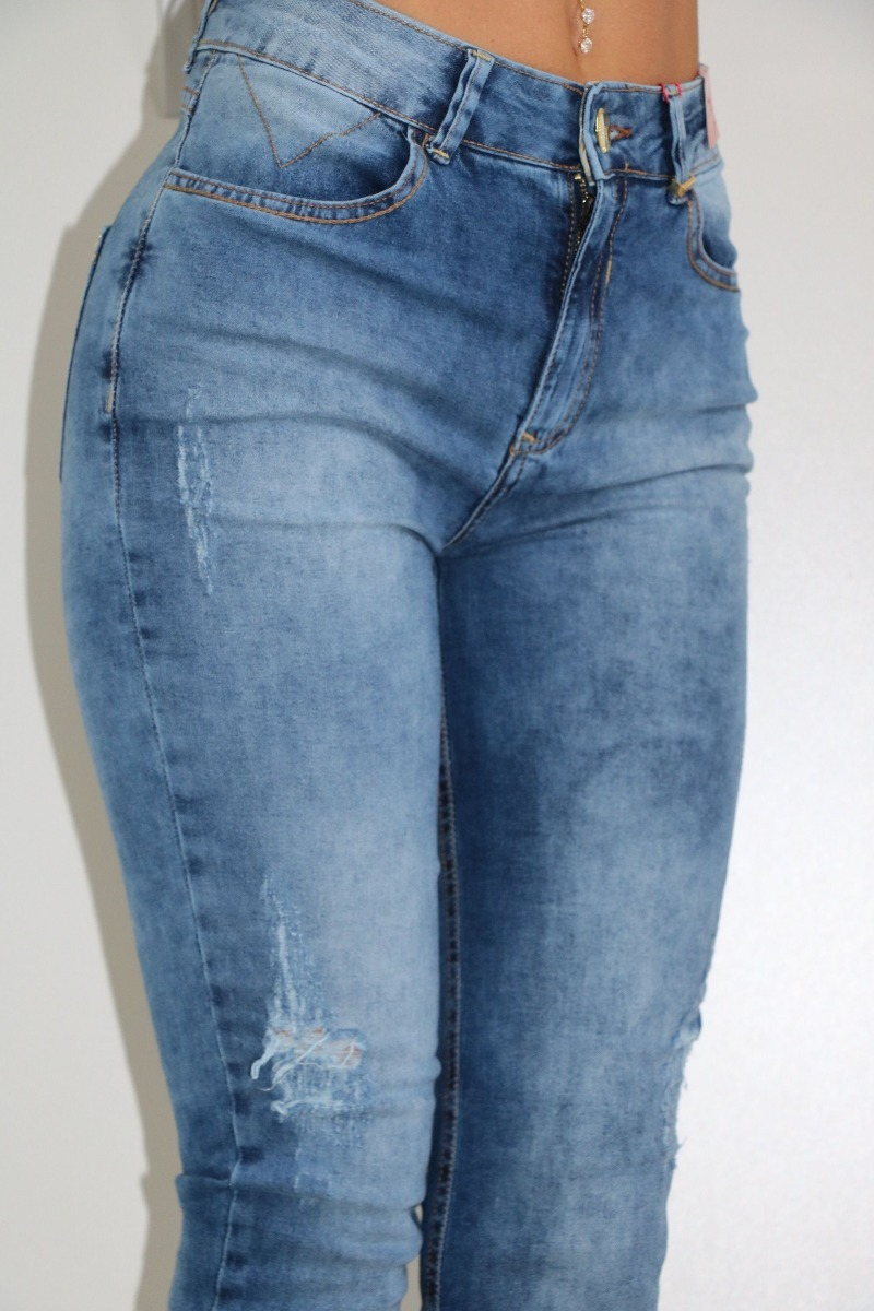 259f25183 Calça Jeans Cigarrete Alicia 25 Washed Gatabakana - R$ 189,00 em ...